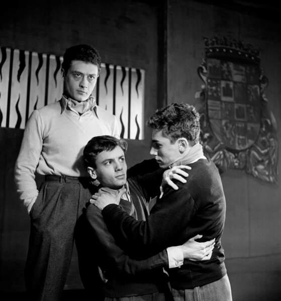 Au théâtre en 1949 dans la pièce Haute surveillance