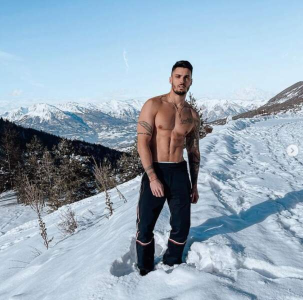 ... et Baptiste Giabiconi, qui ne craignait apparemment pas le froid.