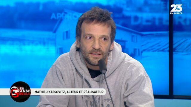 """Mathieu Kassovitz, un """"connard ? Il s'explique dans Les Grandes Gueules (VIDEO)"""