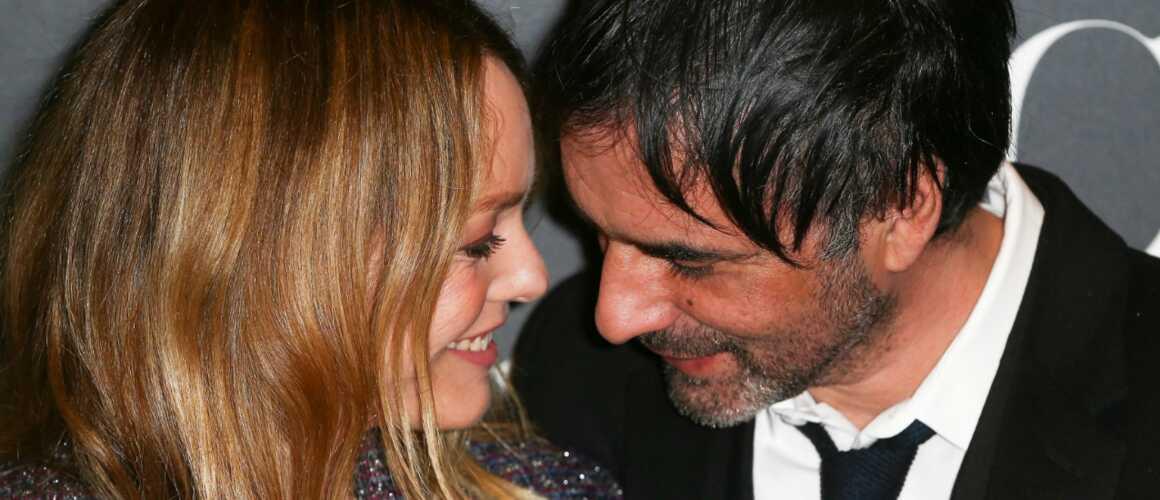 Vanessa Paradis et Samuel Benchetrit  leur mariage en catimini ce samedi ,  actu , Télé 2 semaines