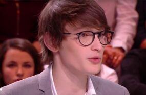 Qui est Aurélien Enthoven, le fils de Carla Bruni qui fête aujourd'hui ses 18 ans ?