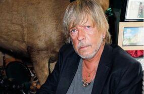 Renaud va mal : le chanteur hospitalisé dans un état préoccupant