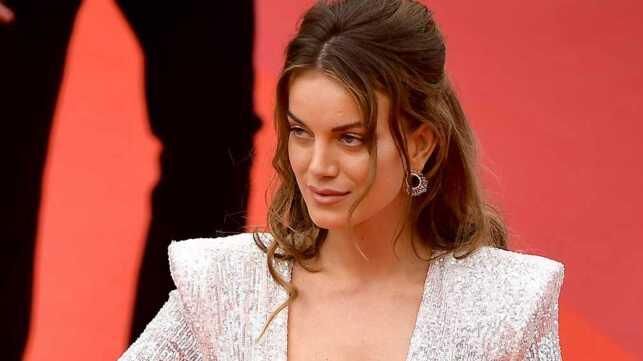 Cannes 2019 : le top model Heidi Lushtaku offre le premier accident de robe du festival ! (PHOTOS) - cinema - Télé 2 semaines
