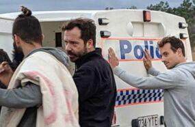 Hugo Clément dévoile les photos de son arrestation en Australie: Cette intimidation ne nous empêchera pas de continuer (PHOTOS)