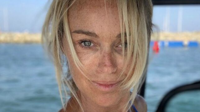 Cécile de Ménibus plus sexy que jamais à Saint-Tropez (PHOTOS) - actu - Télé 2 semaines