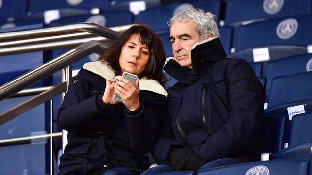Après sa demande en mariage ratée, Raymond Domenech avait eu une explication tendue avec Estelle Denis - actu - Télé 2 semaines