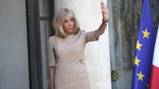 Comment Brigitte Macron s'est fâchée avec certains conseillers de l'Elysée - actu - Télé 2 semaines