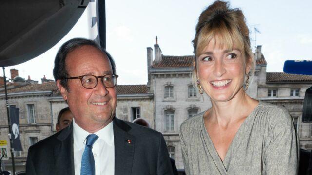 Quand François Hollande prend la pose avec ses beaux-parents et Julie Gayet (PHOTOS)
