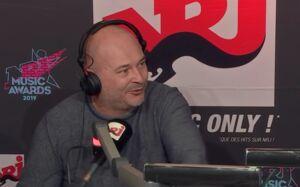 Choqué par l'attitude de la chanteuse Angèle, Cauet la recadre sur NRJ (VIDEO)