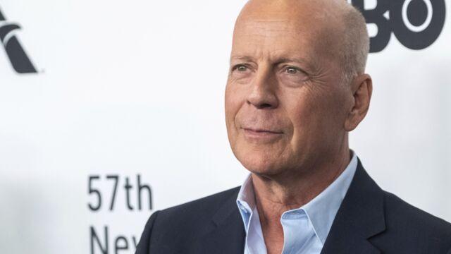 On sait enfin pourquoi Bruce Willis est confiné avec Demi Moore, son ex-femme !