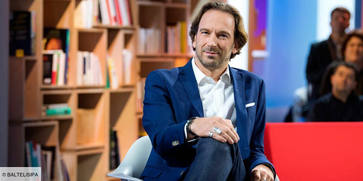 François Busnel, de la Ddass à la Grande Librairie : ses confidences sur son parcours rocambolesque - Télé Loisirs.fr