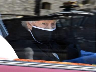 Les princes Harry et William séparés, la reine Elizabeth II isolée, l'émotion du prince Charles... Tous les temps forts des obsèques du Prince Philip en images !