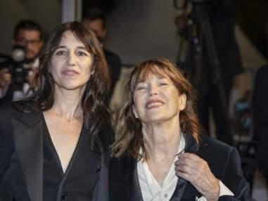 Cannes 2021 : Charlotte Gainsbourg et Jane Birkin radieuses sur le tapis rouge pour Jane By Charlotte