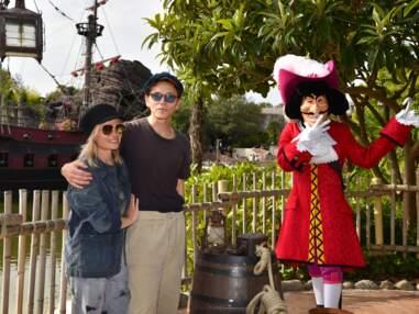 Louane, Raphael et Mélanie Thierry célèbrent Halloween à Disneyland Paris