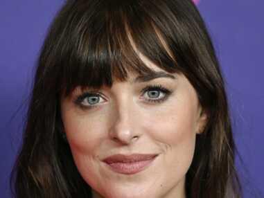Dakota Johnson éblouit l'avant-première du film The Lost Daughter