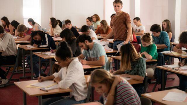 Les scènes de classe de La Faute à Rousseau (France 2) ont-elles été tournés dans un lycée ?