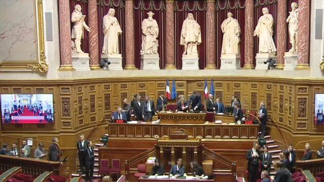 Sénat en action
