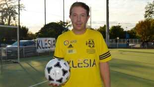 Footballeur et homosexuel : au coeur du tabou