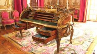 Le mobilier de Versailles Du Roi-Soleil à la Révolution