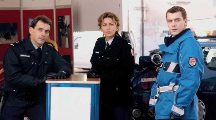 Une Femme D Honneur Mort Clinique Saison 1999 Telefilm Tele
