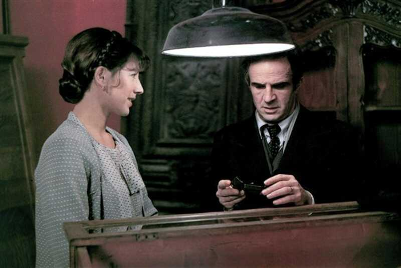 La Chambre verte de François Truffaut (1978), synopsis, casting ...