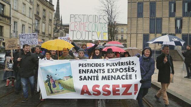 Pesticides, le poison de la terre
