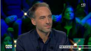 Raphaël  Glucksmann évoque sa rencontre avec Léa Salamé
