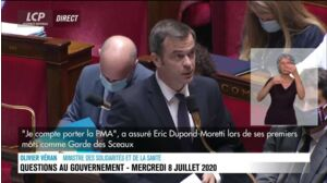 """Olivier Véran tance les députés de droite : """"Mettez vos masques quand vous criez !"""""""