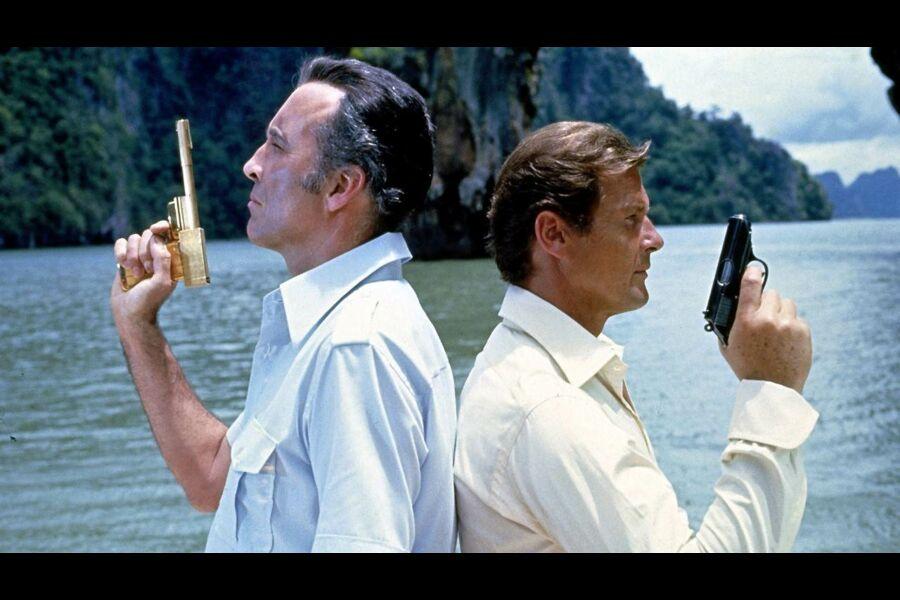 l-homme-au-pistolet-d-or
