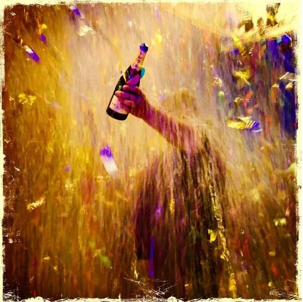 Il pleut des confettis ? Normal, Luc besson vient d'annoncer le clap de fin !