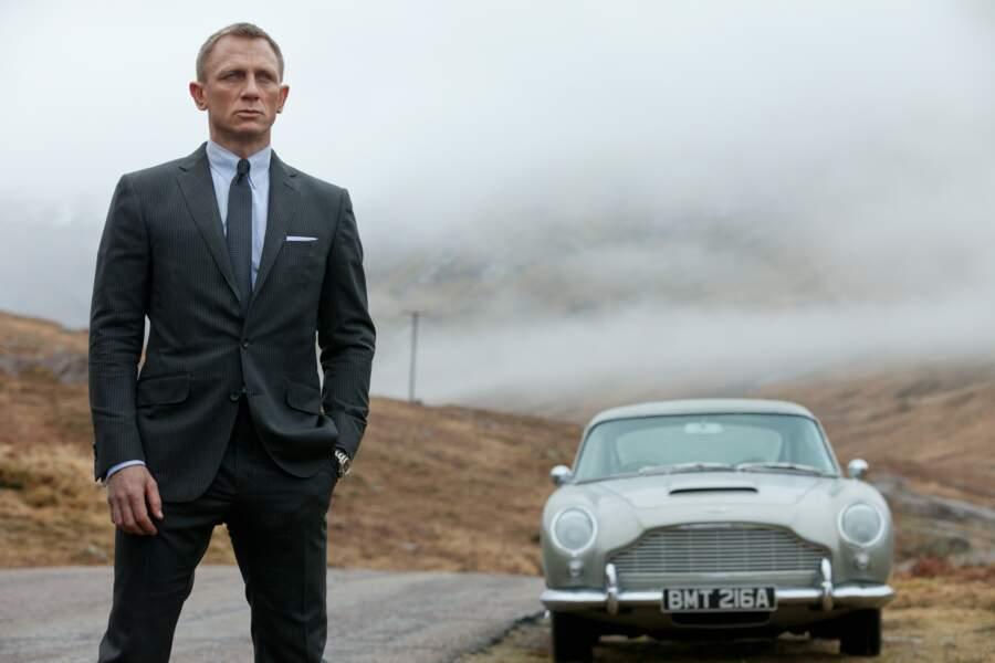La version Skyfall avec Daniel Craig en 007