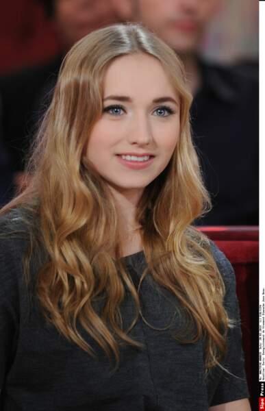 Chloé Jouannet (la fille d'Alexandra Lamy) maquillée...