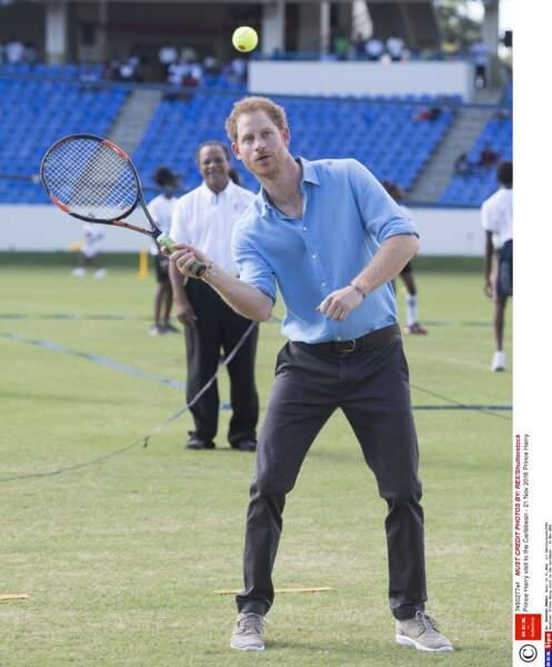 Rien ne l'arrête ! C'est tennis désormais !