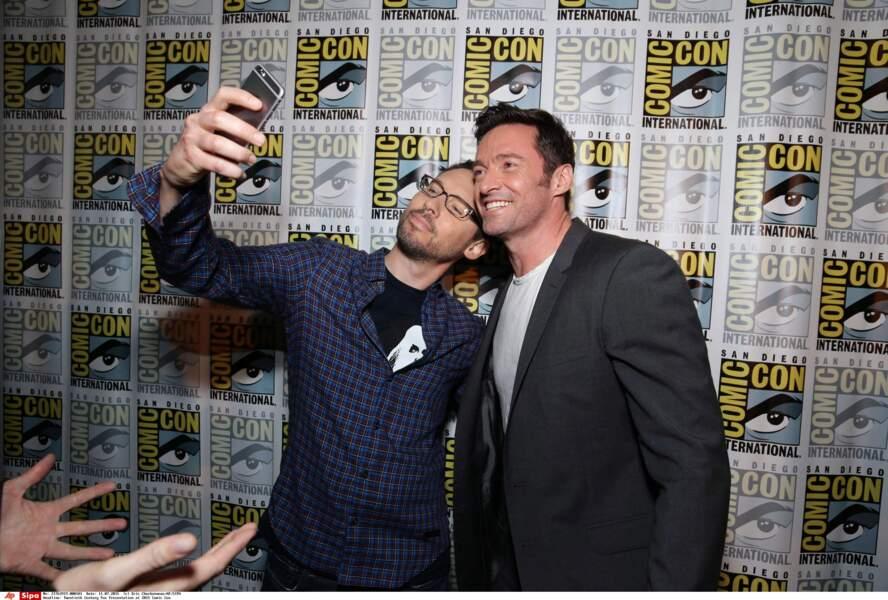 Hop, un petit selfie pour Bryan Singer, le réalisateur de X-Men, et Hugh Jackman