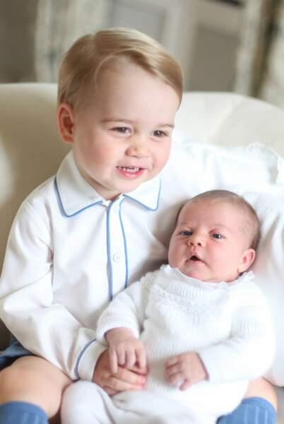 Angleterre : Au cas où Baby George ne peut pas régner, sa sœur Charlotte pourrait monter sur le trône britannique