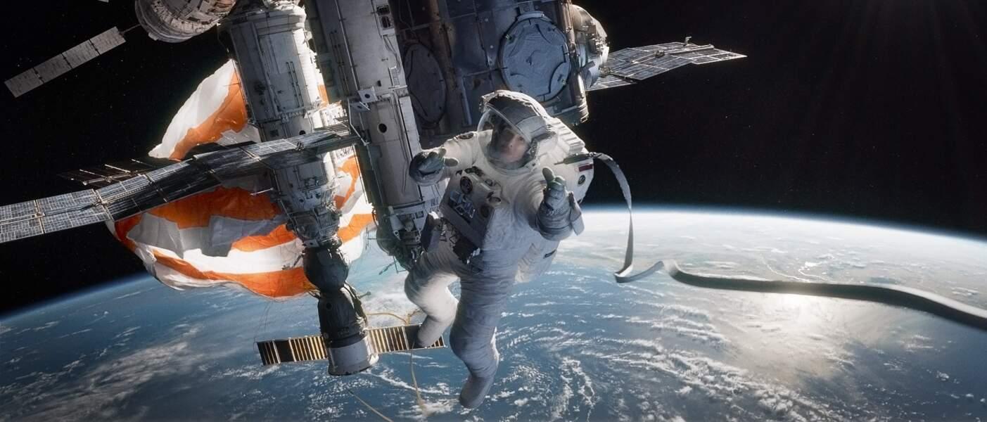 Sandra Bullock perdue dans l'espace dans Gravity, chef d'oeuvre de l'année 2013