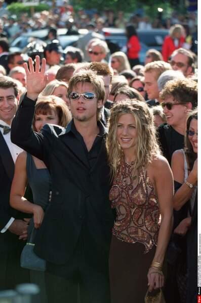 Sa rencontre avec Brad Pitt en 1998 va défrayer la presse people