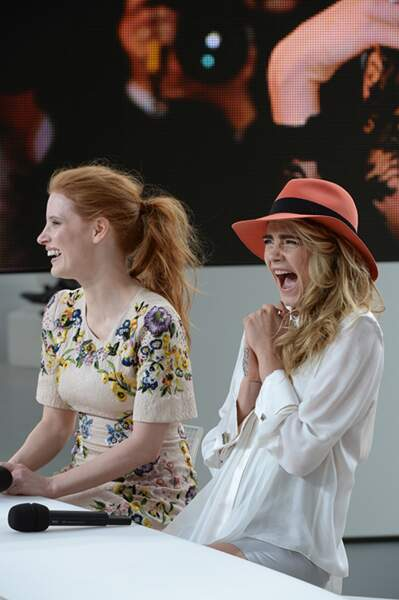 Jessica Chastain et Clara Delevingne tout sourire à Cannes 2014