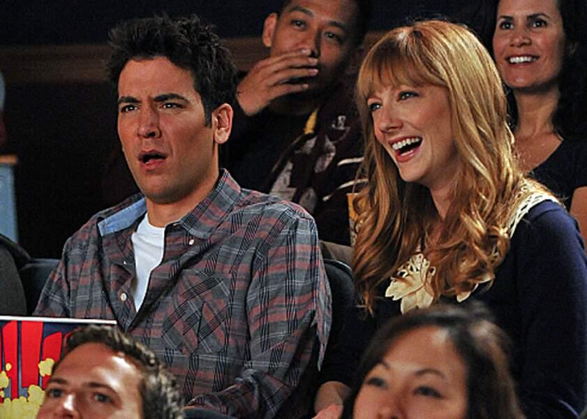 "La fille que Ted emmène voir ""The Wedding Bride"", le film qui se moque de Ted, c'est Royce (Judy Greer)."