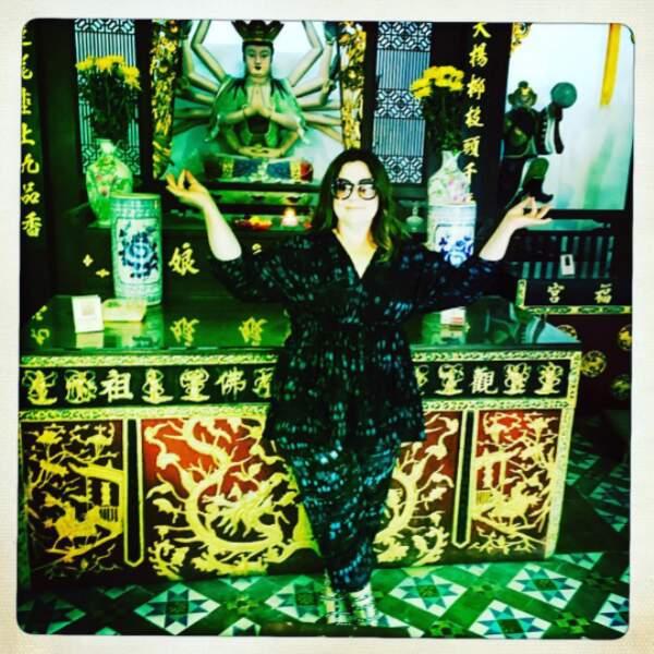 Car Melissa voyage beaucoup pour son métier... deviendrait-elle zen à Singapour ?!