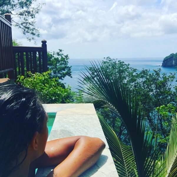 Entre les tournage de Meurtres au paradis, mais Joséphine Jobert a profité des délices de la Guadeloupe