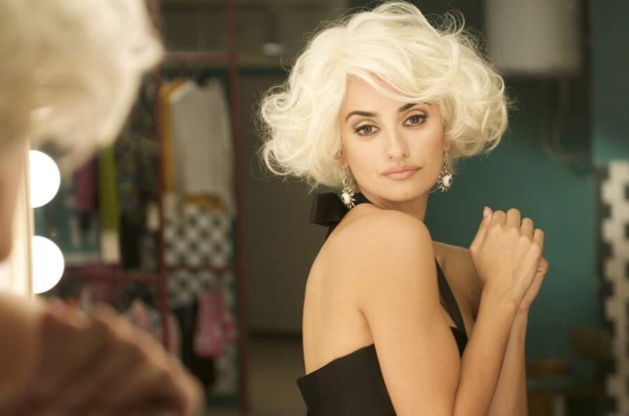 Sympa le blond platine dans Etreintes brisées d'Almodovar en 2009