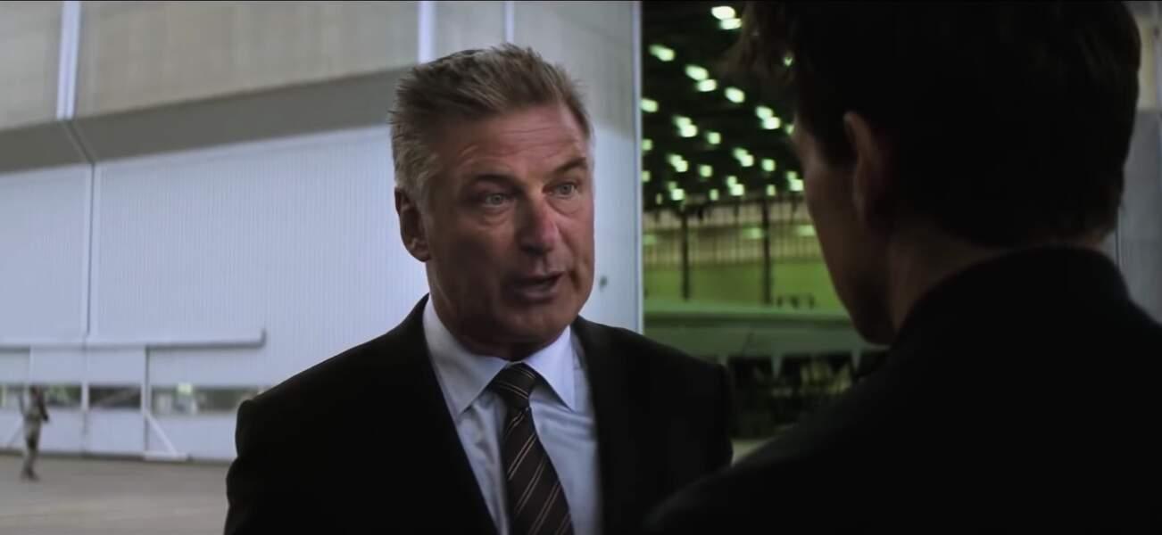 Alan Hunley (Alec Baldwin) est le directeur de l'équipe, en service depuis MI-5.