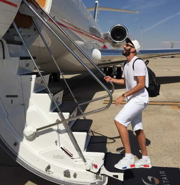 Qui a dit que Karim Benzema n'était pas patriote ? Regardez un peu ses chaussures.
