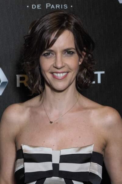 Nathalie Renoux, présentatrice du 19.45 le week-end depuis 2009