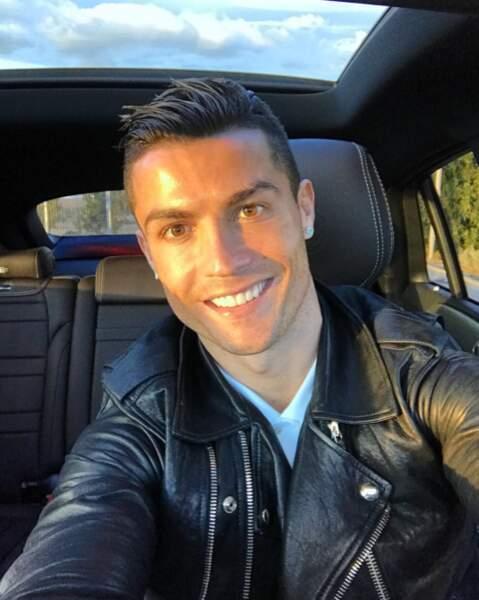 Gardez le sourire comme Cristiano Ronaldo.