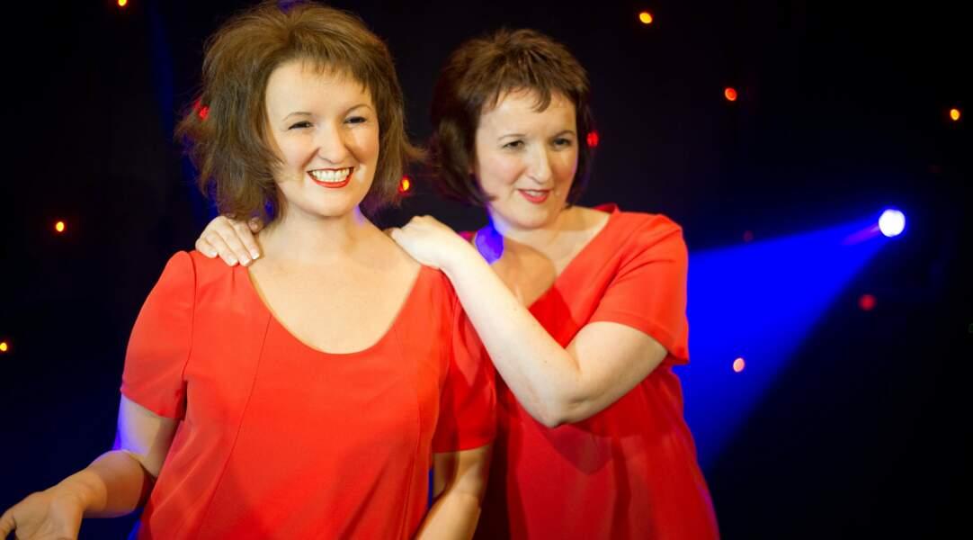 Que serait Anne Roumanoff sans sa robe rouge ?