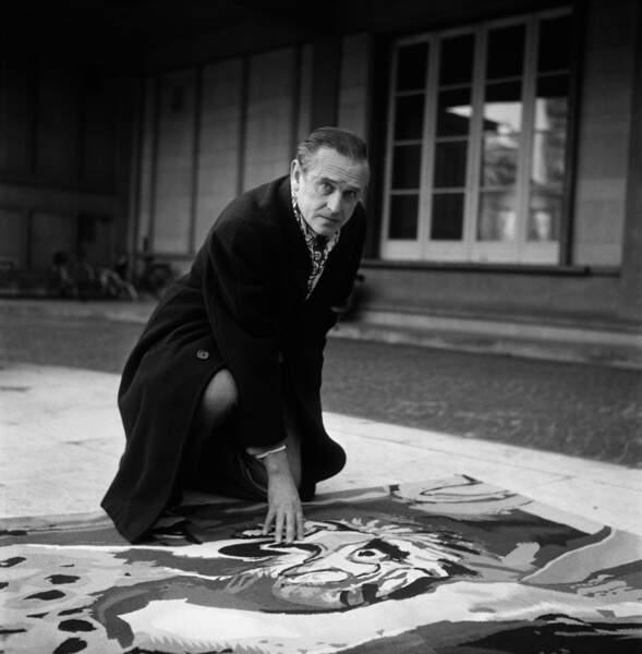 Dans les derniers épisodes de la saison 1, le public découvre le peintre anglais Graham Sutherland