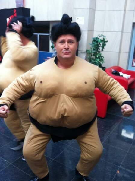 Cauet aurait tant aimé nous montrer ses talents de sumo