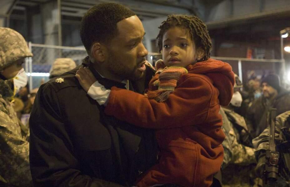 Les débuts de Willow Smith se sont effectués dans les bras de son papa au cinéma dans Je suis une Légende.